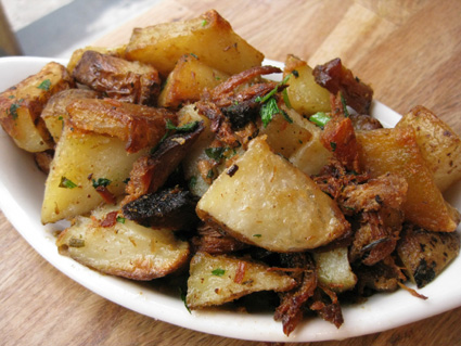 Crispy potatoes and burnt ends © Lia Chang