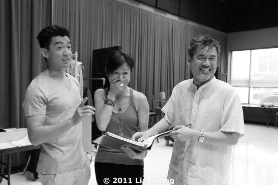 (L-R) Actors Johnny Wu and Angela Lim with Chinglish playwright David Henry Hwang in the Healy Room of the Goodman Theatre in Chicago on June 5, 2011 . © 2011 Lia Chang