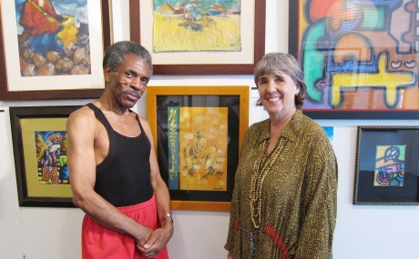 Nancy McDaniel of DUMELA and André De Shields at the DUMELA 2011 Summer Show at the August House Studio in Roscoe Village, in Chicago on June 4, 2011. © Lia Chang