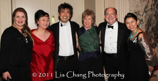 Asia Society Cultural Achievement Award winner David Henry Hwang (center) is flanked by (L-R) his wife Kathryn Layng, Joanna C. Lee, Rachel Cooper, Director of Cultural Programs and Performing Arts, Ken Smith, and Yoshie Ito, Assistant Director, Business Programs, Asia Society. (Lia Chang)