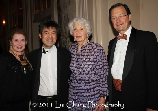Kathryn Layng with her husband Asia Society Cultural Achievement Award winner David Henry Hwang, Lisina M. Hoch, Asia Society Honorary Life Trustee and Steven Hoch, Co-Founder of Highmount Capital. (Lia Chang)