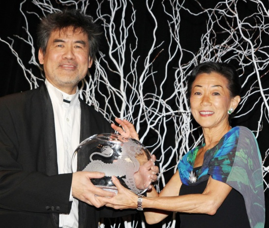 Asia Society Cultural Achievement Award winner David Henry Hwang and Asia Society Trustee Lulu Wang, founder of Tupelo Capital Management. (Lia Chang)