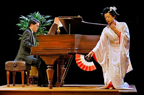 Eric Sharp and Randy Reyes in David Henry Hwang's M. Butterfly at The Guthrie. Photo by Michal Daniel