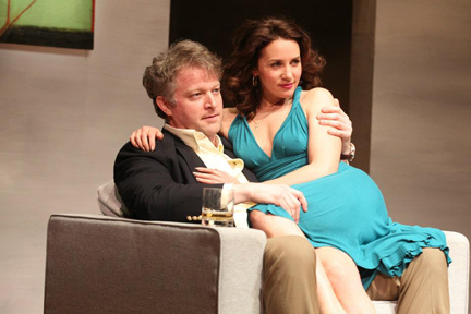 C.J. Wilson as Fred and Tricia Paoluccio as Carol in Signature Theatre Company's production of Edward Albee's The Lady from Dubuque. Photo by Joan Marcus
