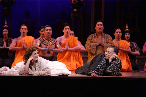 Kim Huber, Thom Sesma and the cast of The King and I. Photo by Christopher Clark, Music Theatre of Wichita