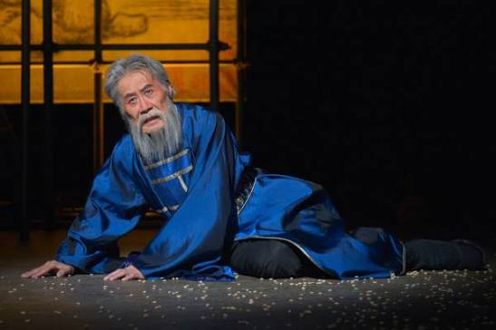 Gongsun Chujiu (Sab Shimono) in'The Orphan of Zhao.' Photo by Kevin Berne.