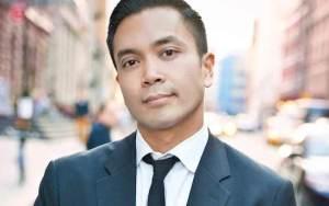 Jose Llana. Photo by Bill Bustamante