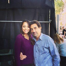 Amber Stevens and Joe Mantegna on the set of Criminal Minds. Photo courtesy of @criminalmindsfandistrict. (Janine Sherman Barrois via instagram)