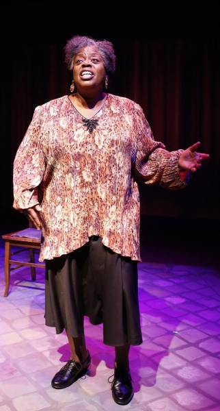 Lillias White in Texas in Paris. Photo by Carol Rosegg