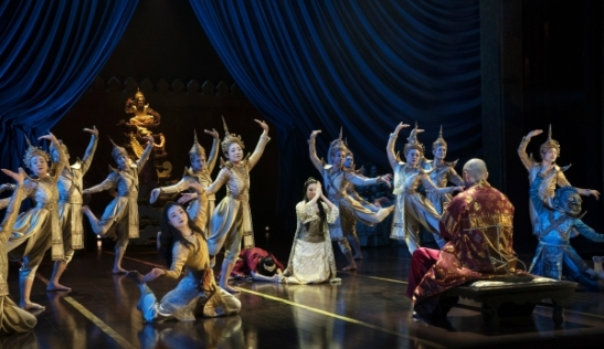 The company of THE KING AND I. Photo by Paul Kolnik