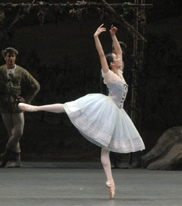 Stella Abrera in Giselle. Photo:MIRA.