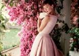 Audrey Hepburn photographed wearing Givenchy by Norman Parkinson, 1955 © Norman Parkinson Ltd/Courtesy Norman Parkinson Archive