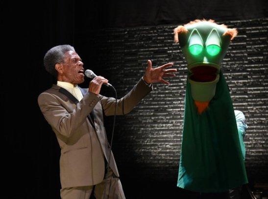 AndréDe Shields and David Lipschutz (puppeteer). Photo: Michael Courier